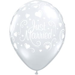 11P JUST MARRIED HEARTS (50)